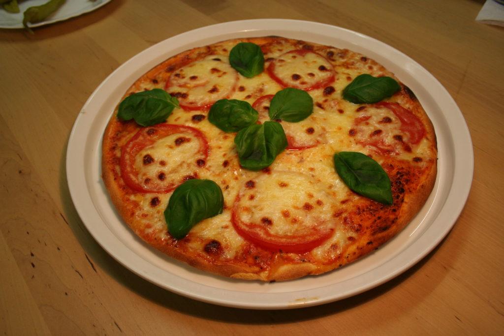 Pizza Tomaten Mozarella